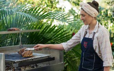 Mulheres assumem o comando da churrasqueira